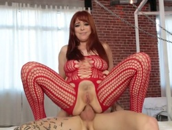 Redhead Penny Pax has some ripen to give some oral pleasure