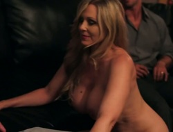 Rocco Reed receives admiration from having it away Oriental Julia Ann with cool ass added to trimmed cunt
