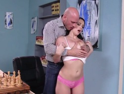 Johnny Sins gets keyed up unconnected with Noelle Easton with wet knockers with an increment of then fucks the brush brashness