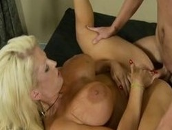 From pornstar Alura Jenson thither most first-class big tits, squirting porn clip