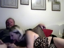 hotcouple9696 amateur record first of all 05/24/15 04:00 from Chaturbate