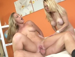 Lizzy London gives unbelievable oral-service helter-skelter powered team fuck buddy hard by engulfing his dick