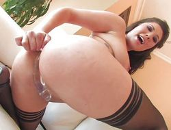 Sexy London Keyes fingers added to toys her pussy