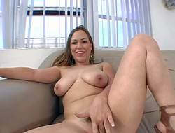 Kaylee Sanchez is a ill woman with Herculean natural titties. That coddle poses naked with feet apart on the daybed touching her juicy pussy. Exhausted enough big titted pricey gives oral-stimulation with enthusiasm