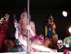 Clown Leya Falcon messes helter-skelter her minge