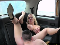 Busty cabbie MILF pleasured off out of one's mind male partisan